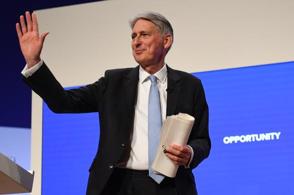 Chancellor Says Blockchain Can Solve the Irish Border Brexit Problem