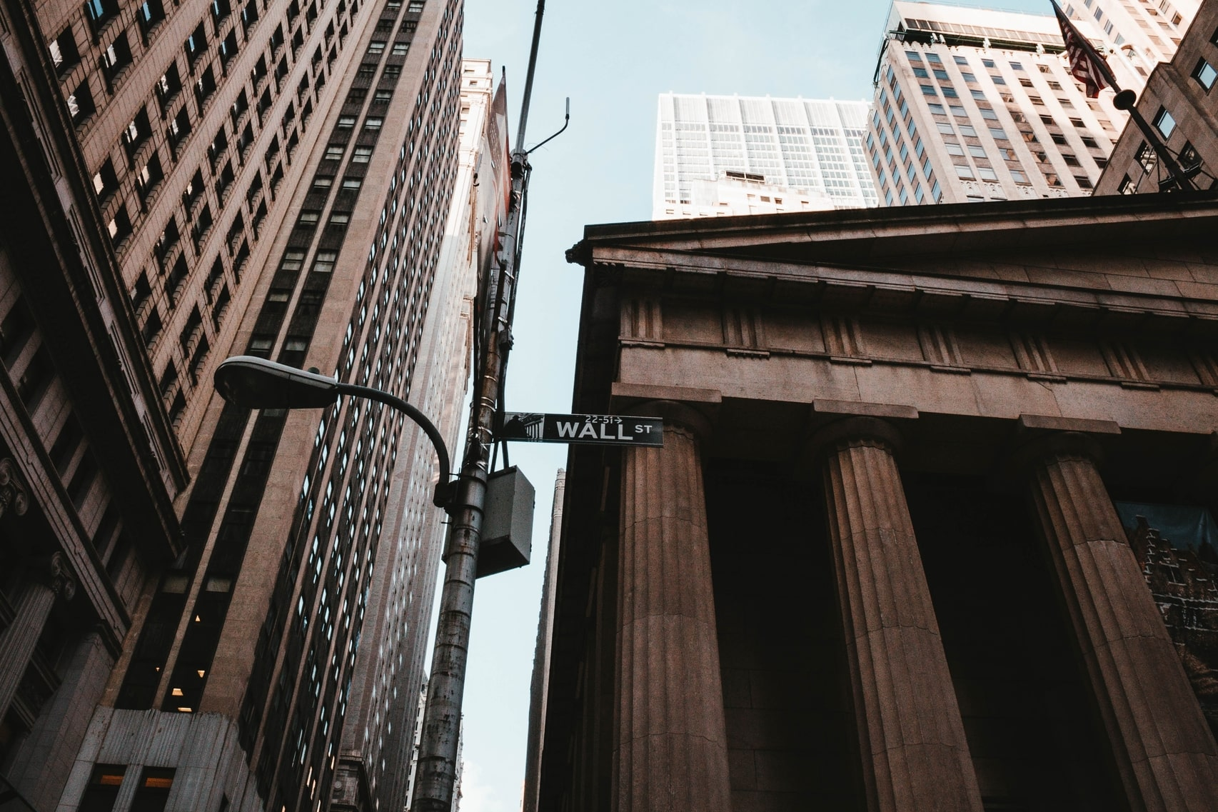 2019 Will Be the Year Wall Street Enters Crypto, Says DCG Exec