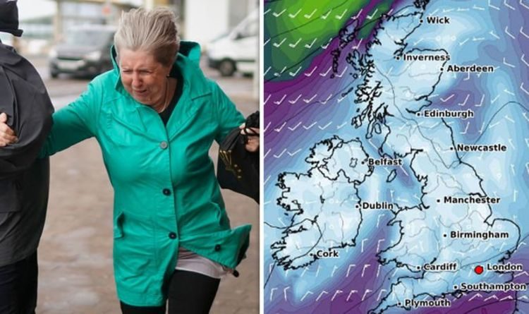 UK weather forecast: Travel chaos warning as 50mph winds to wreak havoc on the roads