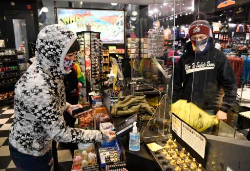 Black Friday 2020 in Denver: tourists, missing Santa and COVID-19 capacity limits